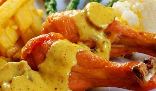 Jordi Bar de Tapas Muslitos de pollo a la mostaza y patatas a la malagueña